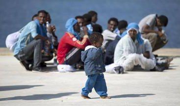 Aiutarli a casa loro. Come?